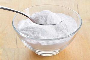 Mẹo khử mùi hôi cùa giày thể thao bằng baking soda