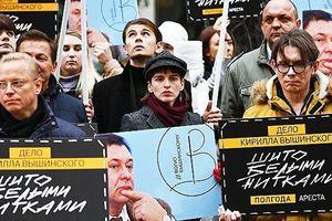 Ban tham mưu tổng thống Ukraine vừa thắng cử kêu gọi tăng cường trừng phạt chống Nga