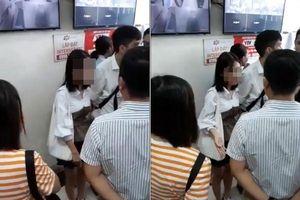 Công an vào cuộc xác minh vụ người đàn ông bị tố 'chạm vào đùi' cô gái tại chung cư Linh Đàm