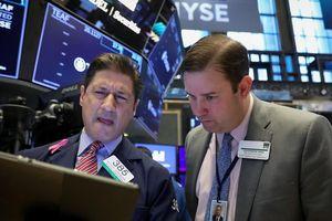 S&P 500 rời đỉnh vì cổ phiếu dầu lửa mất giá
