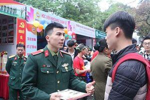 Trường quân đội buộc thôi học, trả 7 thí sinh về địa phương