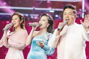 Cô gái xinh đẹp hát lỡ nhịp vẫn được Quang Lê yêu thích