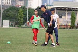 Bóng đá trẻ nữ Việt Nam có chuyên gia Nhật Bản