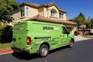 Amazon chi đậm để giao hàng cho khách trong 1 ngày