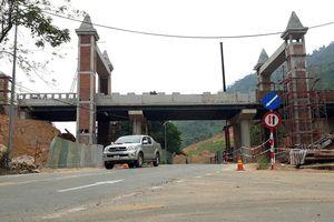 Đà Nẵng: Bất ngờ xuất hiện cầu vượt của Khu du lịch vắt ngang Quốc lộ 14G