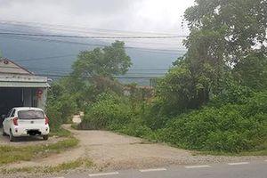 Vụ cô giáo đòi đất ở Hà Giang: Vì sao xử mãi không xong?