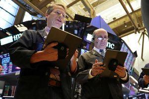 Cổ phiếu công nghiệp kéo S&P 500 giảm điểm