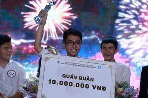 Nguyễn Huy Phúc giành Quán quân Cuộc thi hùng biện Socrates 2019