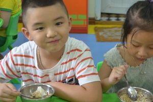 Móng Cái thực hiện nghiêm an toàn thực phẩm trong bếp ăn bán trú học đường