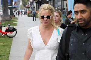 Britney Spears tươi tỉnh, xinh đẹp ra phố sau ồn ào điều trị tâm thần
