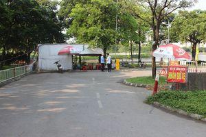 Hà Nội: Công viên vắng vẻ ngày đầu kỳ nghỉ Lễ 30/4