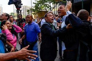 Venezuela bắt giữ phó thủ lĩnh phe đối lập Gilber Caro