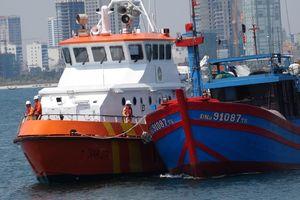 BĐBP Đà Nẵng tiếp nhận 7 thuyền viên gặp nạn tại khu vực phía Nam vịnh Bắc Bộ