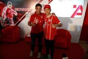 Cuộc gặp thú vị của danh thủ Bayern Munich và nhà vô địch AFF Cup Việt Nam