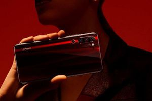 Lenovo Z6 Pro hỗ trợ 18W nhưng tặng hẳn cục sạc 27W
