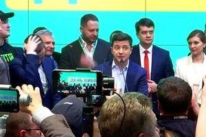 Tân Tổng thống Volodymyr Zelensky: Nghệ sĩ hài có giúp dân tộc lạc quan?