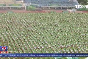 Hơn 6.000 học sinh đồng diễn thể dục xác lập kỷ lục Việt Nam