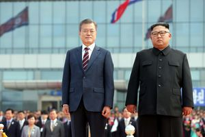 Một năm sau hội nghị liên Triều - Seoul nhiệt thành, Bình Nhưỡng thờ ơ
