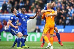 Thua bạc nhược Leicester 0-3, Arsenal gần như hết hy vọng vào tốp 4