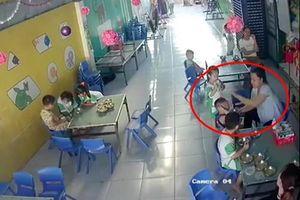 Đình chỉ cô giáo đánh vào đầu trẻ vì không nuốt kịp ở Long An