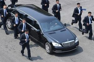 Hãng xe Đức 'không hiểu làm thế nào' ông Kim Jong Un có hai siêu xe Mercedes