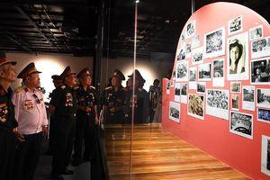 Công chúng Hà Nội xúc động xem ký ức Trường Sơn tại VCCA