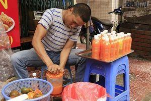 Vạn chai nước siêu rẻ ngày nắng nóng; cây hoa hồng trả 150 triệu đồng chưa gật đầu
