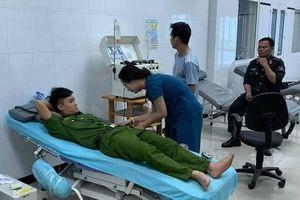 30 chiến sĩ cảnh sát hiến máu hiếm cứu bệnh nhân nguy kịch