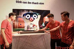 Bộ 3 tuyển Việt Nam 'tò mò' với loạt loa di động mới của Sony