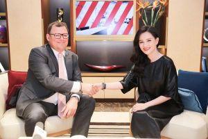 MC Huyền Châu gặp gỡ Chủ tịch Patek Philippe tại Hà Nội