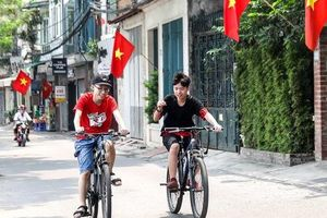 Nghỉ lễ dài ngày, đường phố Hà nội vắng như mùng 1 Tết