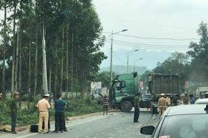 Xe đầu kéo va chạm kinh hoàng với xe khách ở Lạng Sơn, 5 người thương vong