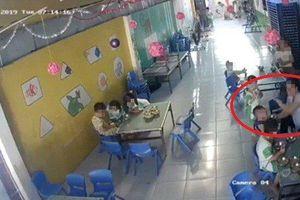 Kiểm tra, xử lý vụ bảo mẫu đánh dồn dập trẻ mầm non khi cho ăn tại Long An