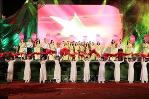 Chương trình nghệ thuật 'Khát vọng thống nhất' bên bờ Hiền Lương - Bến Hải