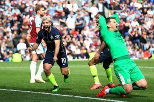 Thắng nhọc nhằn Burnley, Man City trở lại ngôi đầu bảng