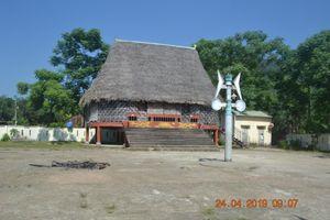 Sớm sửa chữa, xây dựng nhà Gươl tại xã Hòa Bắc