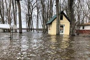 Lũ lụt tiếp tục hoành hành, hàng nghìn người Canada buộc phải di tản