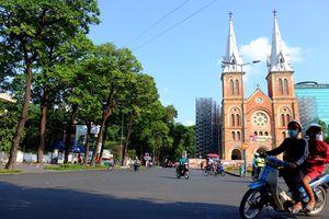 Có một Sài Gòn ngày 30/4 'vắng như Tết' khiến nhiều người ngỡ ngàng, người xa quê thích thú
