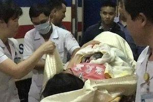 Một em bé vừa chào đời trên tàu SE4 từ TPHCM ra Quảng Ngãi