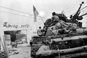 Những hình ảnh khó quên trong ngày giải phóng miền Nam, thống nhất đất nước năm 1975