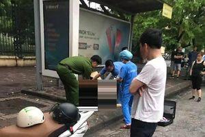 Sau đêm mưa lớn, 1 người lang thang tử vong tại trạm xe buýt