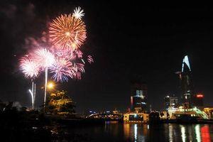 Tối nay, TP.HCM bắn pháo hoa mừng 44 năm đất nước thống nhất
