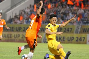 Trung vệ Văn Khánh và phong độ ấn tượng tại V.League 2019