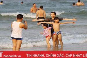 Ngày nhộn nhịp với biển Thiên Cầm