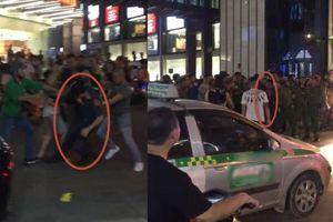 Clip chồng cầm mũ bảo hiểm phang vợ bị đám đông đánh bầm dập và cảnh sát 113 bắt