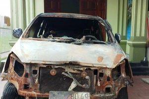Cựu Bí thư đoàn xã đốt xe Innova ở Thanh Hóa ra đầu thú