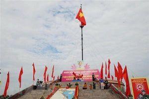 Long trọng tổ chức Lễ thượng cờ 'Thống nhất non sông' tại Quảng Trị