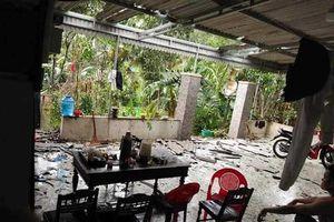 Hà Tĩnh: Lốc xoáy, hàng trăm ngôi nhà bị tốc mái