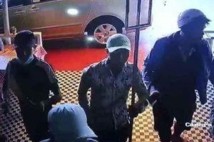Khởi tố, bắt giam băng nhóm đập phá, chém người trong quán càphê