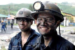 Công nhân thời kỳ công nghiệp hóa, hiện đại hóa đất nước